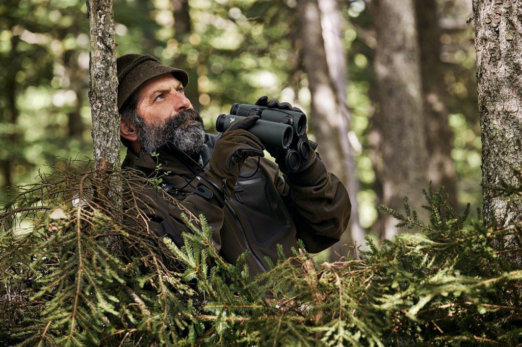 Swarovski 10x42 EL Range Binocular/Laser Rangefinder Review - Pointoptics
